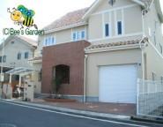 Vol.21 2世帯住宅のオープン外構・・・洋石貼りと樹脂舗装