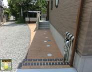 Vol.12 レンガ張りの玄関アプローチとメジャーポートⅡRミニの駐輪場