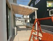 玄関ポーチも外構で!シュエットテラスのある新築外構トータルデザイン!