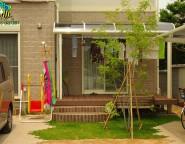 Vol.8 樹脂デッキとシマトネリコ・芝生のある前庭
