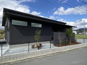 姫路・たつの・太子・相生・赤穂・加古川・高砂の外構&お庭は、新築・リフォームともに「1級エクステリアプランナー」のガーデンプランショップ、ビーズガーデンへ。