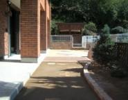 Vol.23 水たまり対策に・・・真砂土舗装と塗り壁門柱