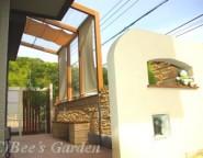 手付かずの中庭・・・人工芝→タイルテラス&ココマ&+G