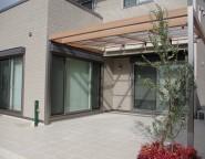 雨除けと日除け機能を備えたプラスGプランで広いテラスを たつの市