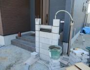 姫路市新築外構・お家のテイストに合わせた門柱のあるシンプルな外構